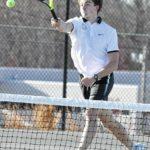 Eagle tennis routs Sauras